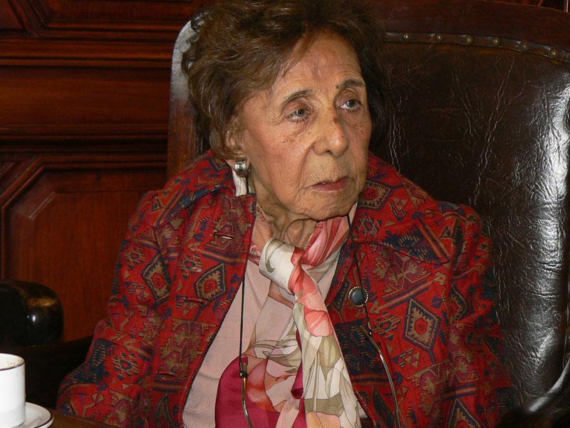 Homenaje De Nuestra Fundación A La Dra. Yolanda Ortíz